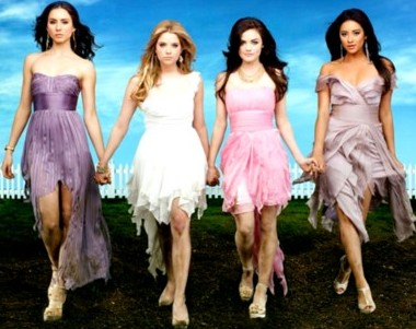 pretty-little-liars-season-3-poster